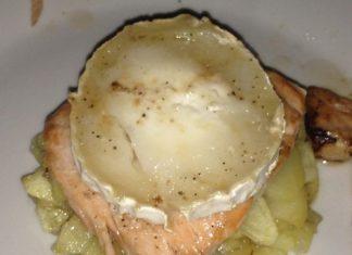 receta salmón encebollado con queso de cabra