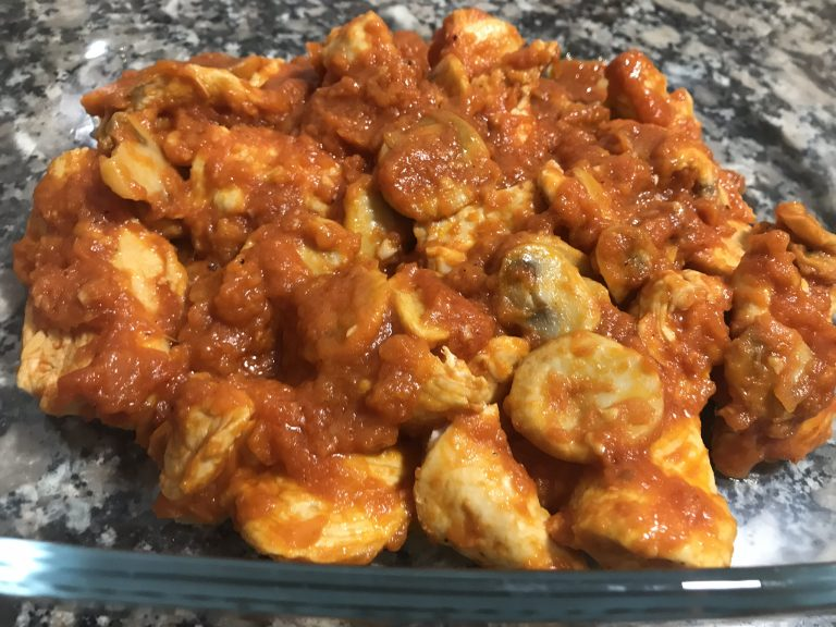 Receta de Pechugas de Pollo en Salsa de Tomate Frito, Champiñones y Vino Blanco con Thermomix