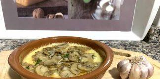 Provolone con jamón y champiñones