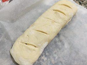 Pan relleno de espinacas y mozzarella