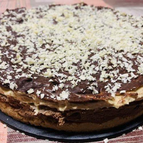 Tarta de chocolate y crema de cacahuete