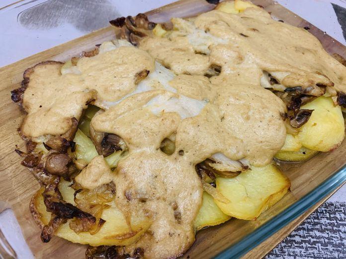 Lubina con salsa de champiñones y queso crema de forma tradicional en Las Recetas de Angy