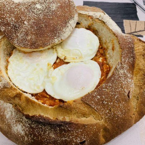 Pan relleno de tomate, huevo y atún con Thermomix