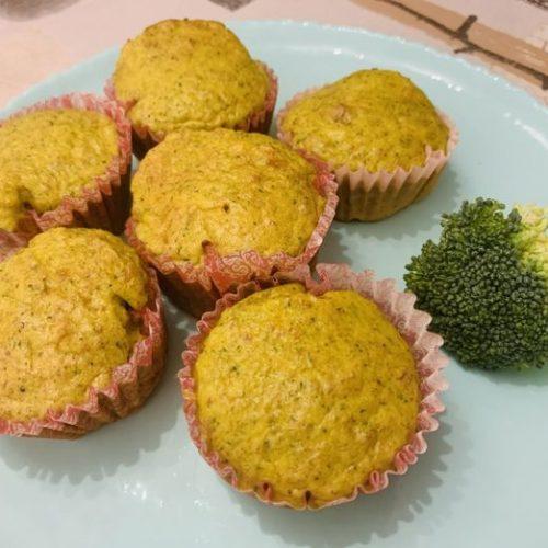Magdalenas de brócoli con jamón y queso con Thermomix en Las Recetas de Angy