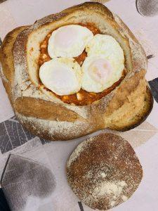 Pan relleno de tomate, huevo y atún con Thermomix en Las Recetas de Angy