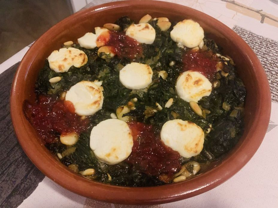 Espinacas a la catalana de forma tradicional en Las Recetas de Angy